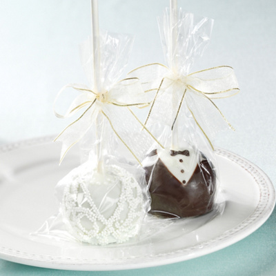 Bride and Groom Brownie Pops Favor